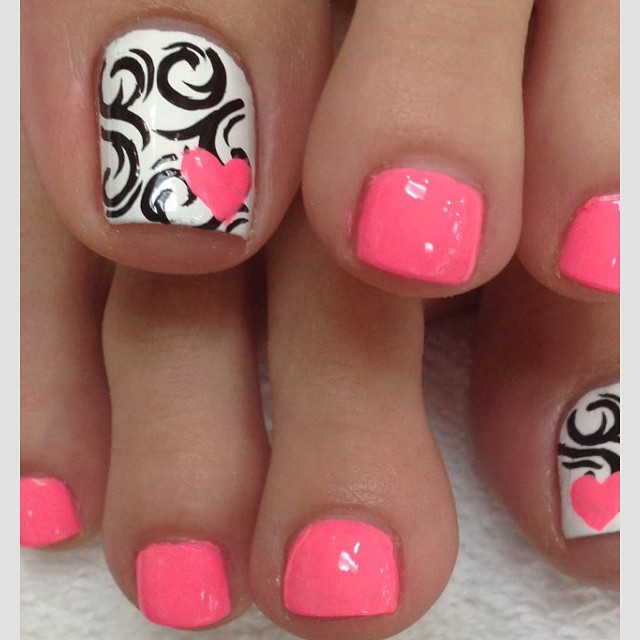Black Spiral Design With Pink Hearts Nail Art For Toe Nails