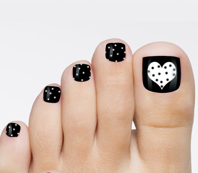 Black Toe Nails With White Heart Design Nail Art - 60+ Stylish Black And White Nail Art Designs For Toe Nails