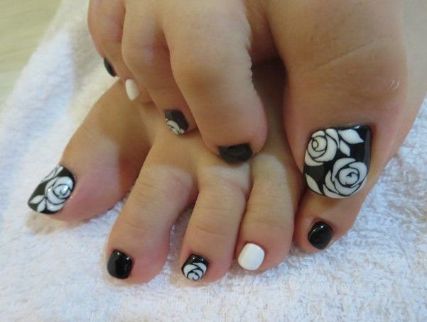 60 stylish black and white nail art designs for toe nails black toe nails with white rose flower nail art design idea prinsesfo Image collections