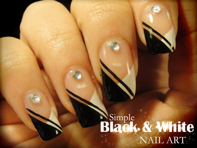 60+ Latest Black And White Nail Art Design Ideas