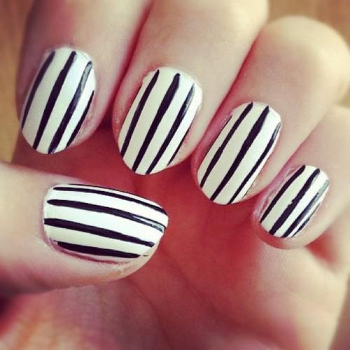 55 Most Amazing Black And White Nail Art Design Ideas - Black And White Nail Art. Black White Flowers Nail Art. Black And