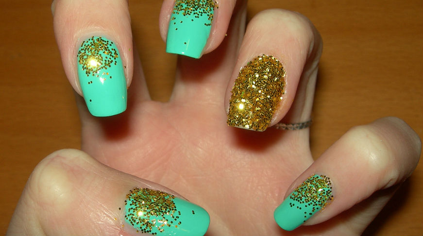 Aqua blue and gold glitter nail art prinsesfo Choice Image