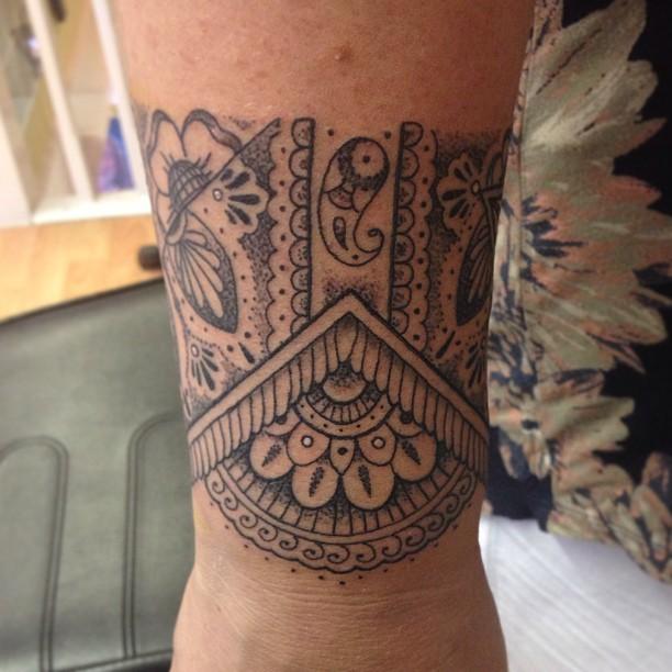 Flower Wrist Pattern: 38+ Beautiful Paisley Pattern Tattoos