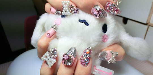 Beautiful 3D Japanese Nail Art