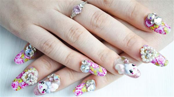 - Elegant 3D Japanese Nail Art Design