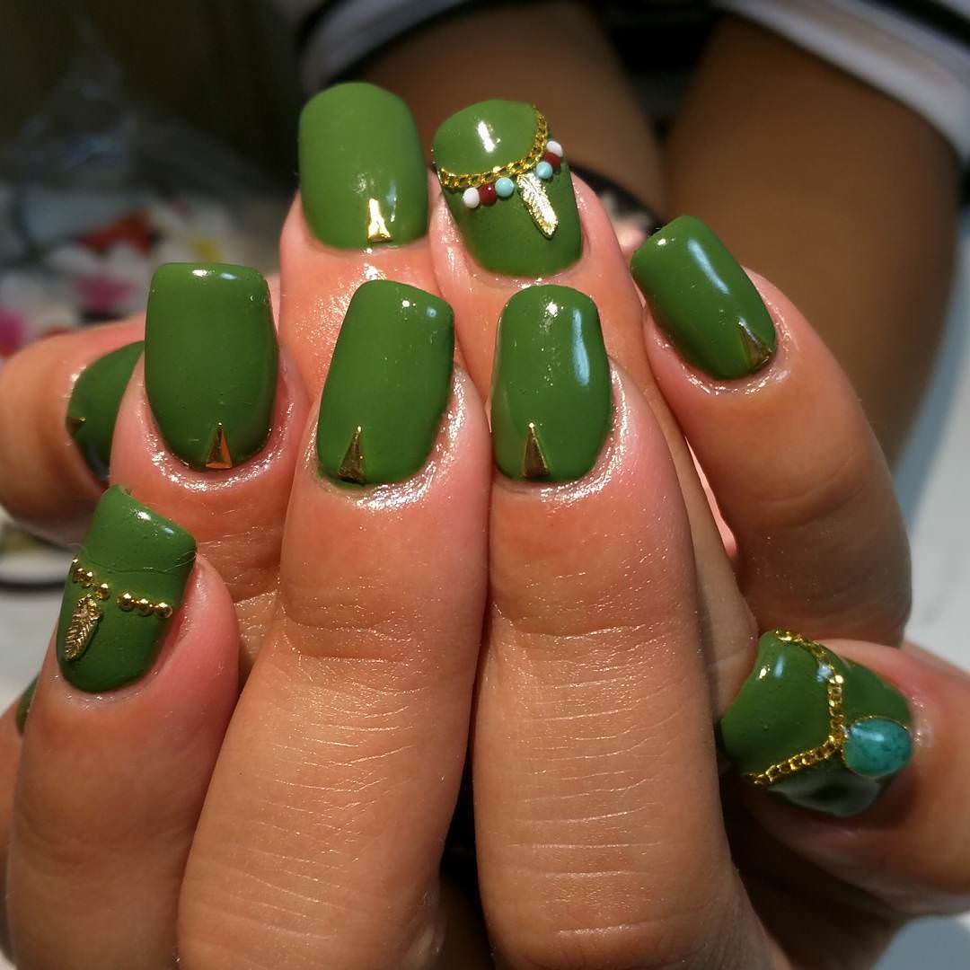 55 most incredible green nail art design ideas for trendy girls green color nails with jewellery design prinsesfo Gallery
