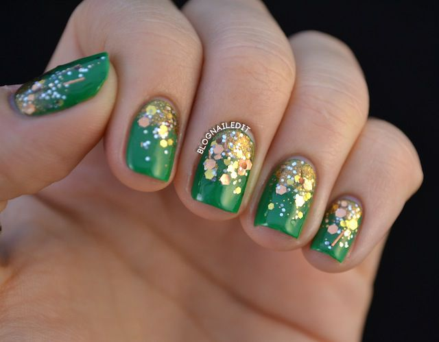 75 most beautiful green and gold nail art design ideas green nails with gold sparkle nail art prinsesfo Choice Image