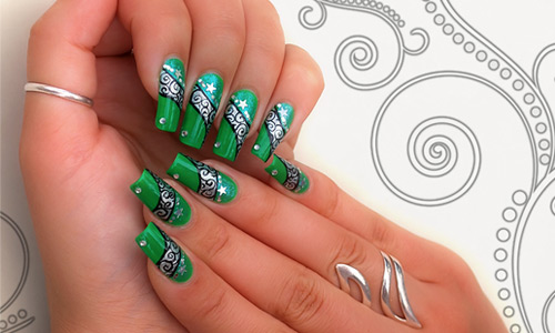 Green Nails With Silver Swirls Design Nail Art Idea - 50 Most Beautiful Green Nail Art Designs