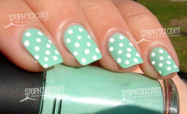 Green Nails With White Polka Dots Nail Art Idea - 50 Best Green And White Nail Art Design Ideas For Girls