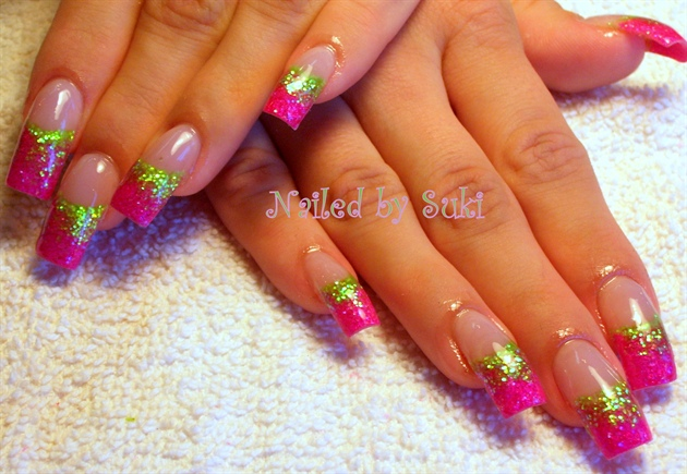 gold-pointy-nails-designs