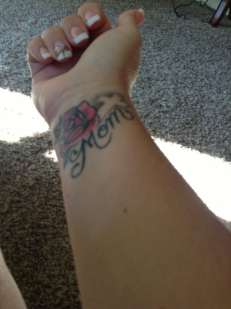 Small Tattoo Ideas For Mother And Daughter: 15+ Memorial Mom Tattoos