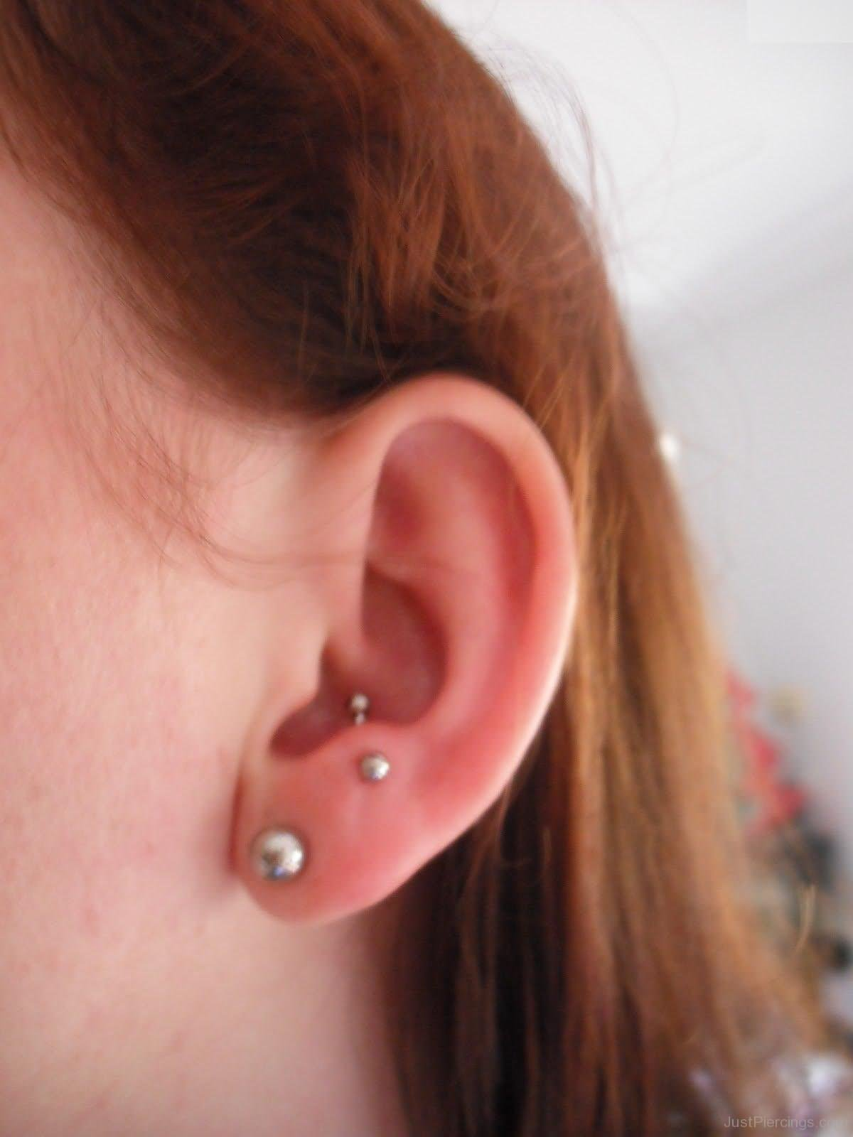 40+ Earlobe Piercing Pictures And Ideas Ear Piercings Anti Tragus