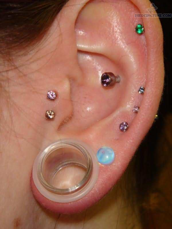 how to change tragus ball piercing