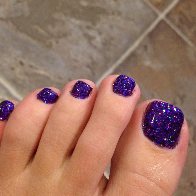Cute Purple Glitter Gel Toe Nail Idea