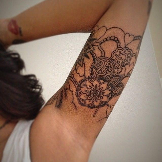 68 best spiritual tattoos ideas spiritual mandala paisley tattoo on biceps thecheapjerseys Image collections