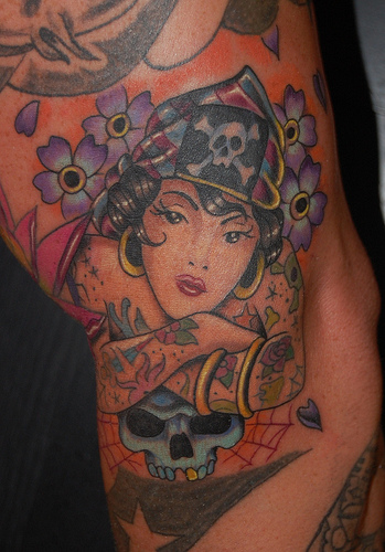 23+ Traditional Pirate Girl Tattoos - photo#7