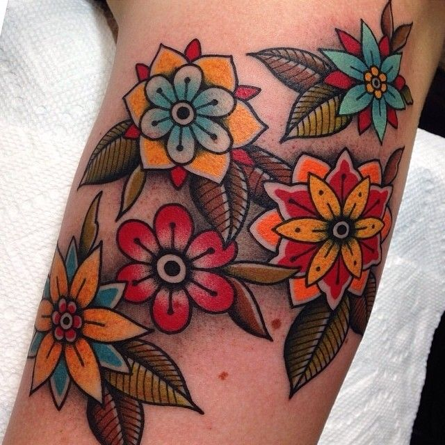 48+ Beautiful Old School Flowers Tattoos