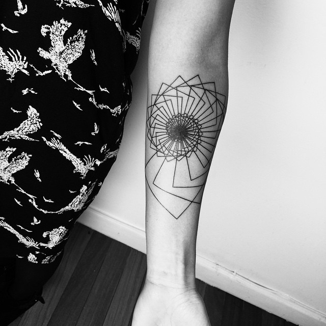 40 spiral tattoos on arm for Tattoo line work