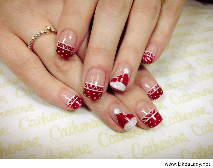 Beautiful Red And White Christmas Nail Art For Short Nails