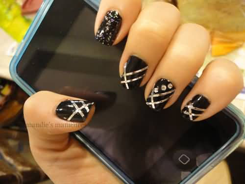 Nail design ideas with tape : Black nails with silver striping tape nail design