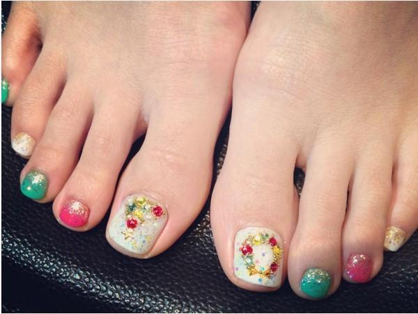 Christmas Tree Toe Nail Designs : Most beautiful christmas nail art ideas for toe nails