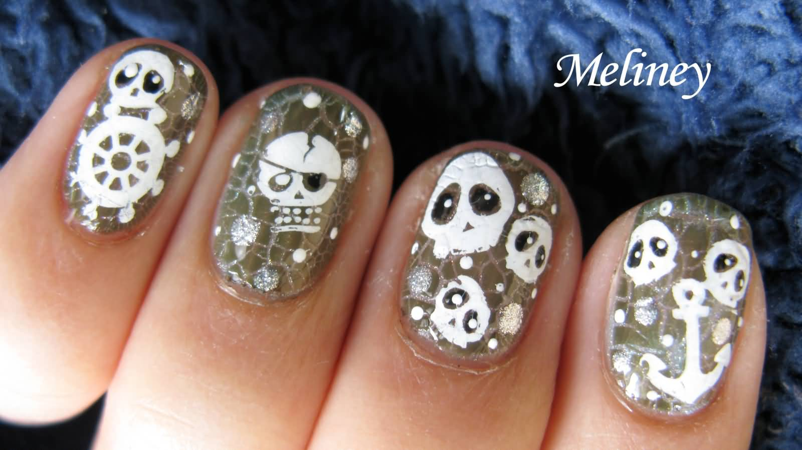 Crackle nails with pirate skulls nail art tutorial prinsesfo Choice Image