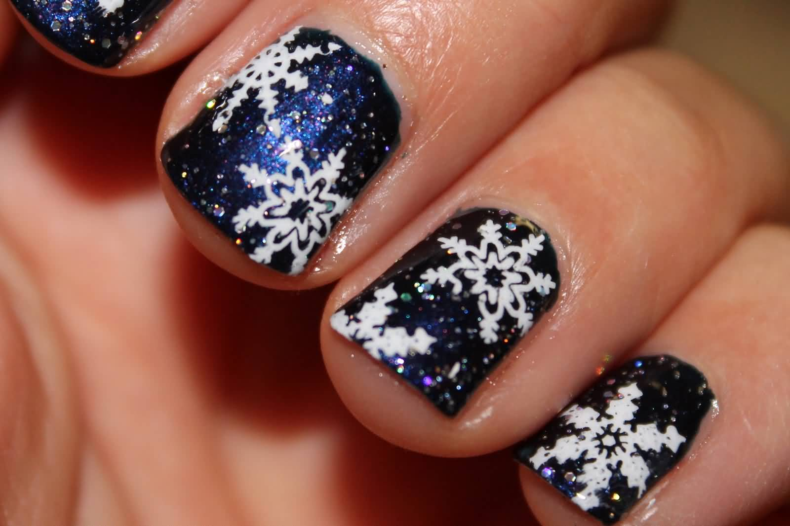50 most stylish christmas nail art ideas. Black Bedroom Furniture Sets. Home Design Ideas