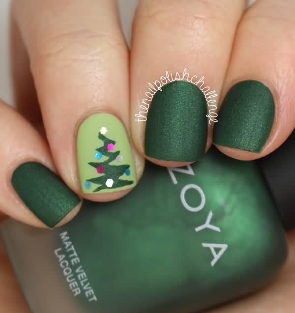 Christmas Tree Nail Art: 50 Most Stylish Christmas Nail Art Ideas