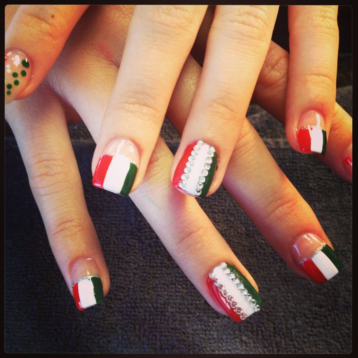 Italian Flag With Rhinestones Design Nail Art