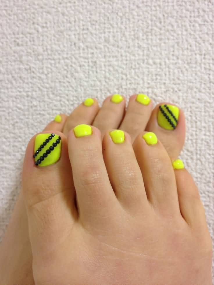 70 Trendy Neon Yellow Nail Art Design Ideas