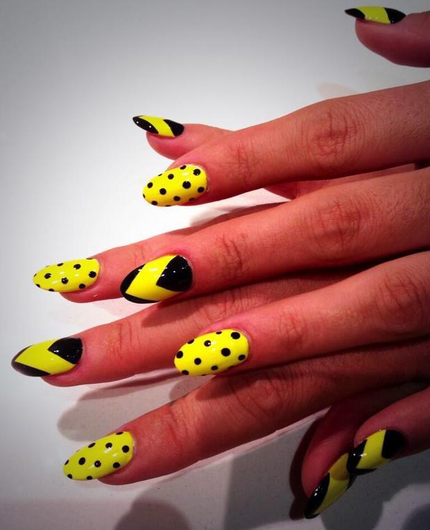70 trendy neon yellow nail art design ideas neon yellow with black chevron and polka dots design nail art prinsesfo Choice Image