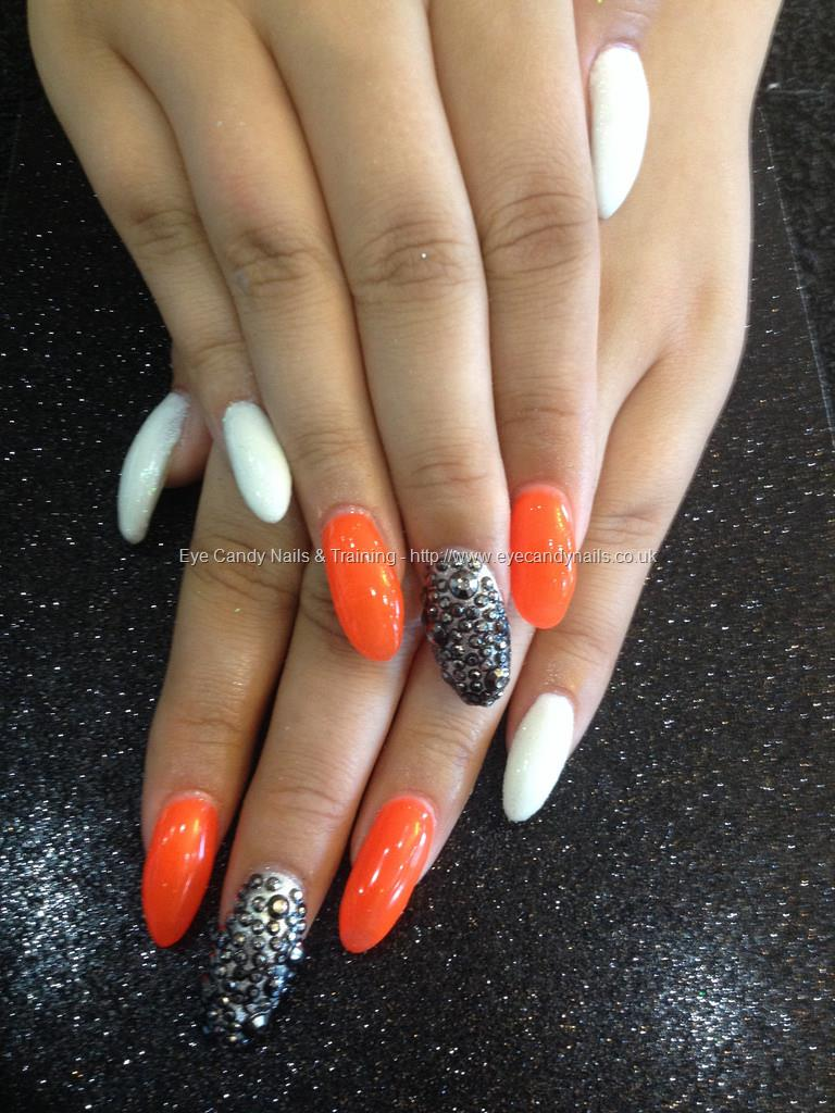 Orange Nails With Chevron And Glitter Nail: 53 Most Adorable Orange And White Nail Art Design Ideas