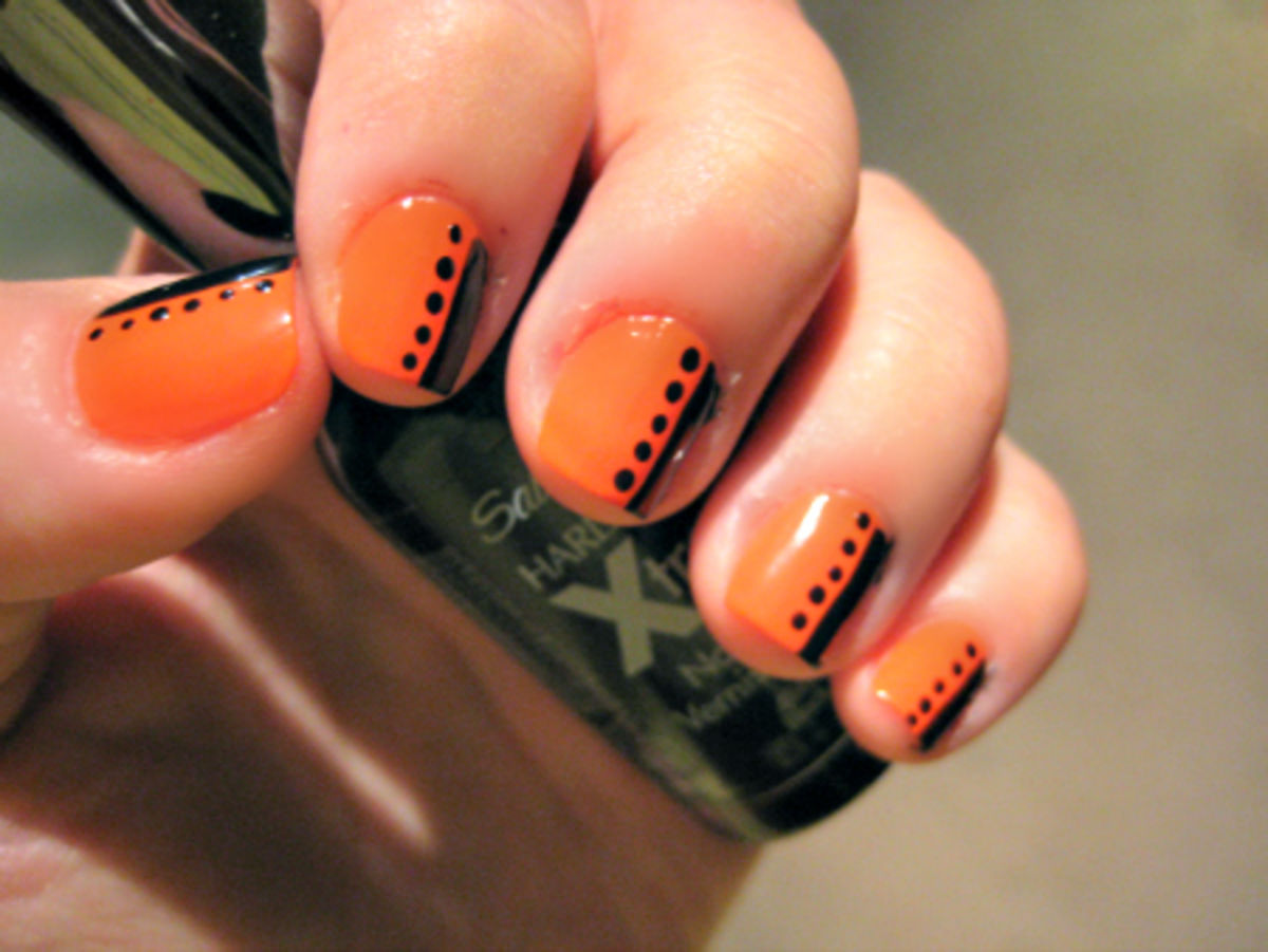 Orange Nails With Black Strip And Dots Design Nail Art - 60 Stylish Orange And Black Nail Art Design Ideas