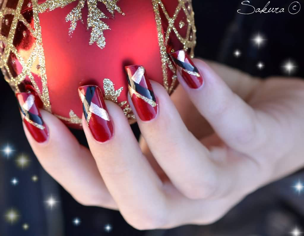 Black Christmas Nail Design: Red black and white freehand christmas ...