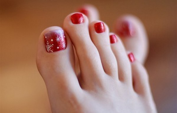 red toe nails with white snowflakes christmas nail art - White Christmas Nails