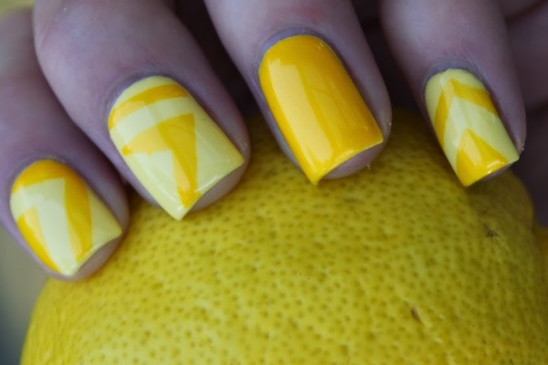 Trendy Yellow Nail Art