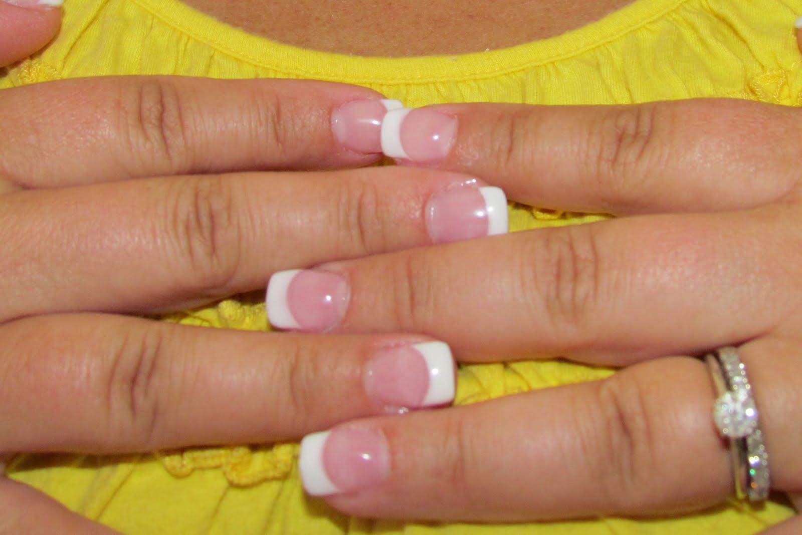 Fine Short White Tip Nails Vignette - Nail Art Ideas - morihati.com