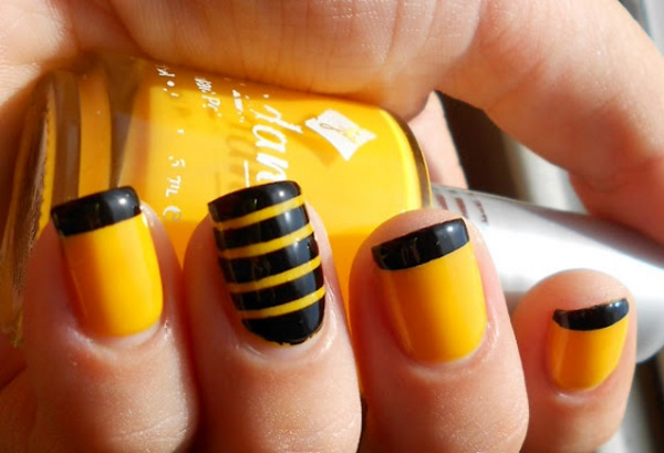 Nail Art Designs Black Yellow To Bend Light
