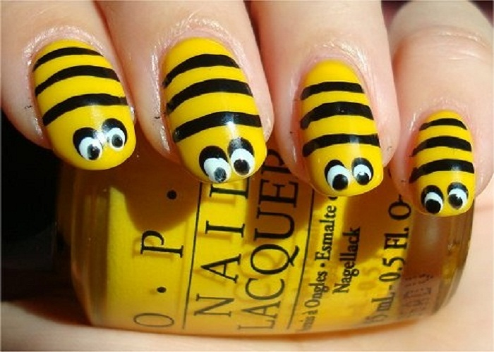 Yellow Bumble Bee Nail Art Design