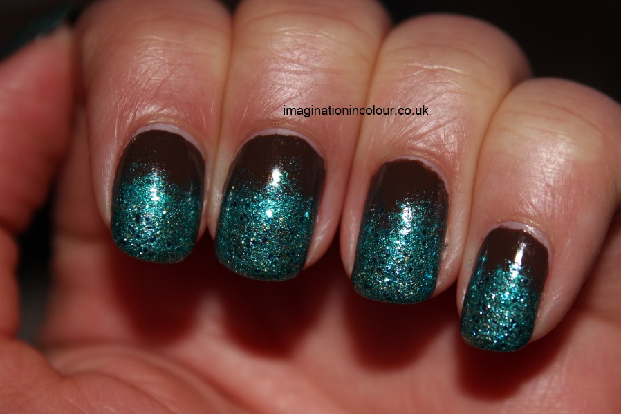 70 most stylish glitter gradient nail art ideas black and green glitter gradient nail art prinsesfo Image collections