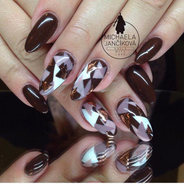 Brown and white triangle design nail art prinsesfo Image collections