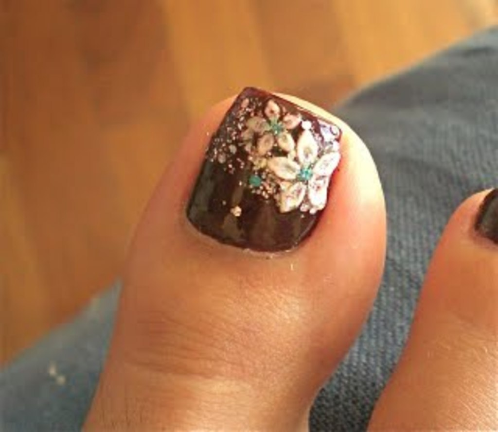 25 Cool Brown And White Nail Art Ideas