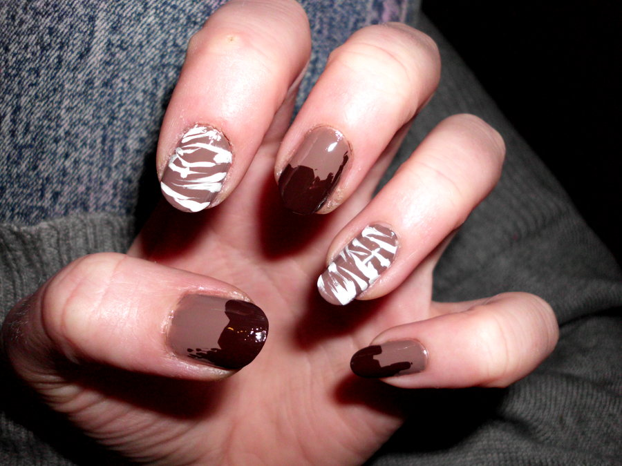 50 most beautiful brown nail art ideas light brown and white freehand animal print nail art prinsesfo Image collections