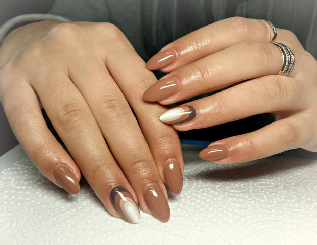 Light Brown Nail Art Design - 55+ Stylish Brown Nail Art Ideas