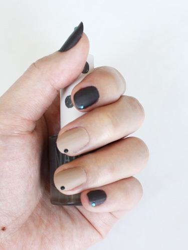 55 Black And Beige Nail Art Design Idea