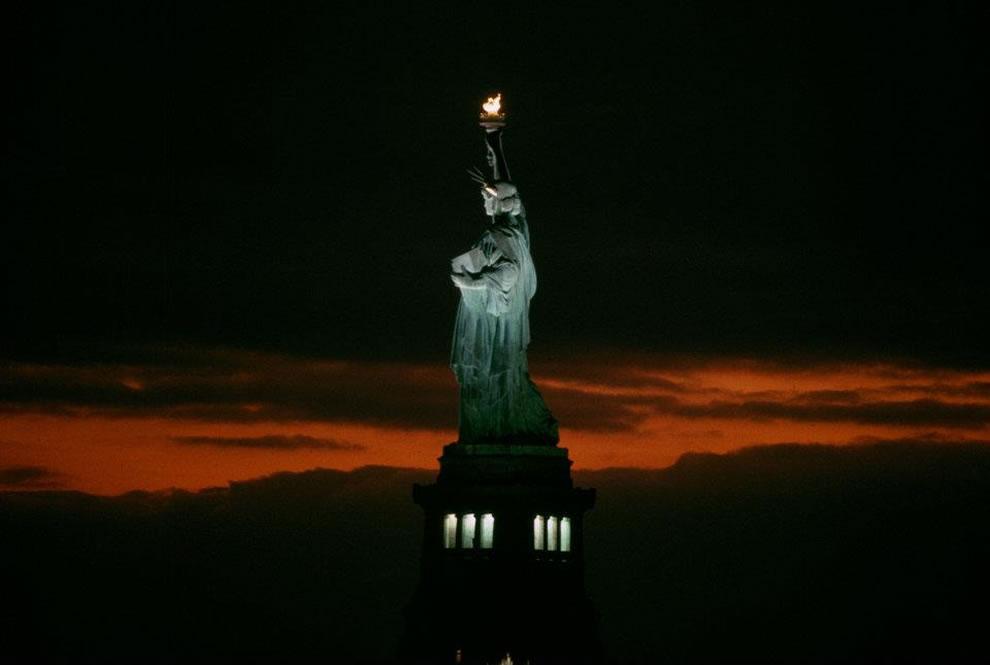 statue of liberty night - photo #17