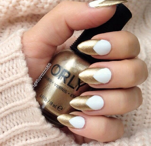 White and gold chevron design nail art prinsesfo Choice Image