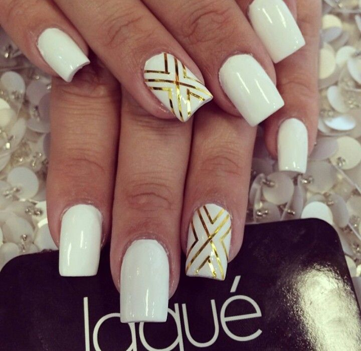 Fancy Nail Art White Nails Motif - Nail Art Ideas - morihati.com