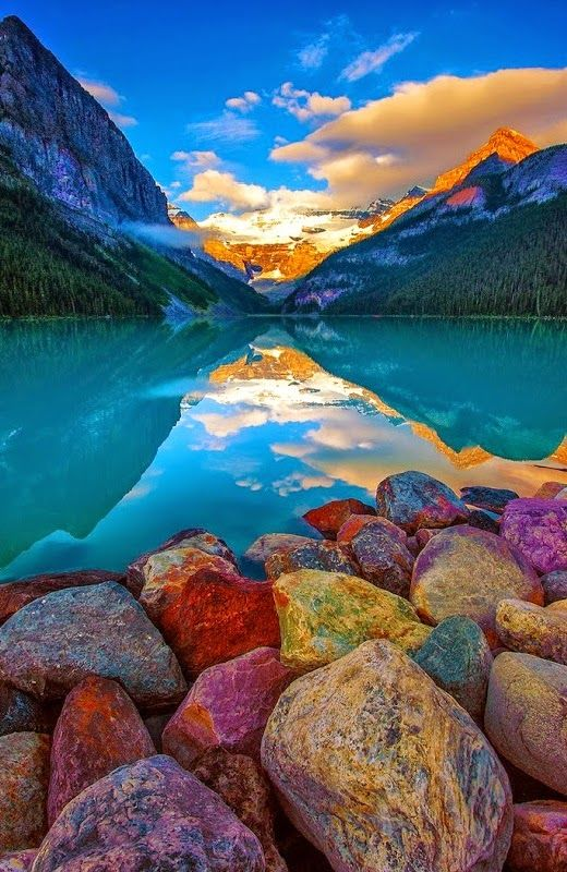 Read Complete 17 Beautiful Pictures Of Lake Louise