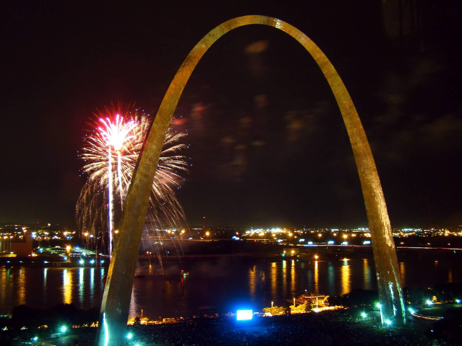 35 Very Beautiful Night Pictures Of The Gateway Arch